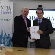 Pte CEC  y Pte Garántia SGR en la firma del convenio