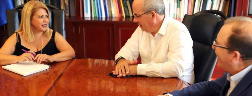 Alcaldesa Reunión con Javier Rojas. CEC