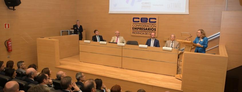 La vicepresidenta y ministra de Economía y Empresa, Nadia Calviño, clausuro la cita de 2019