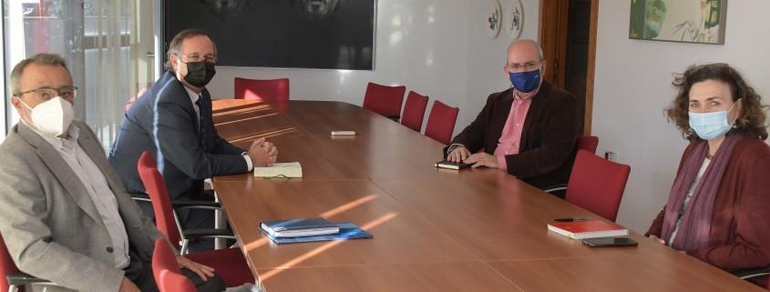 José Luis Molinero y Juan Manuel García de Lomas, secretario general y miembro de la junta directiva de ASEMA, respectivamente, mantuvieron una reunión con el presidente de la CEC, Javier Sánchez Rojas, y la secretaria general, Carmen Romero